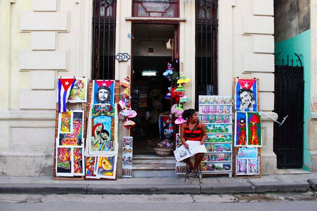 Street-Sales-Shop-Havanna