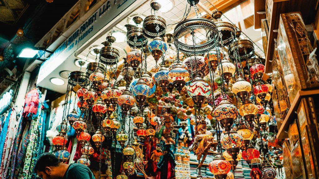 Mutrah Souq, lamps, Oman